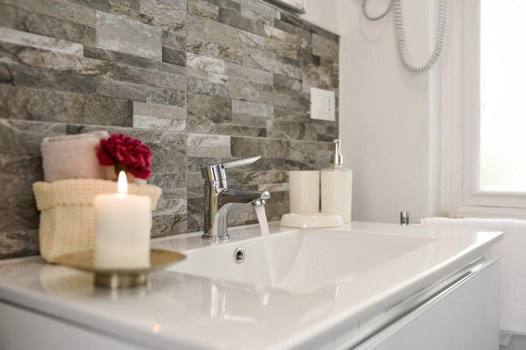 Realizzare Un Deodorante Fai Da Te Con Una Candela Per I Cattivi Odori In Bagno