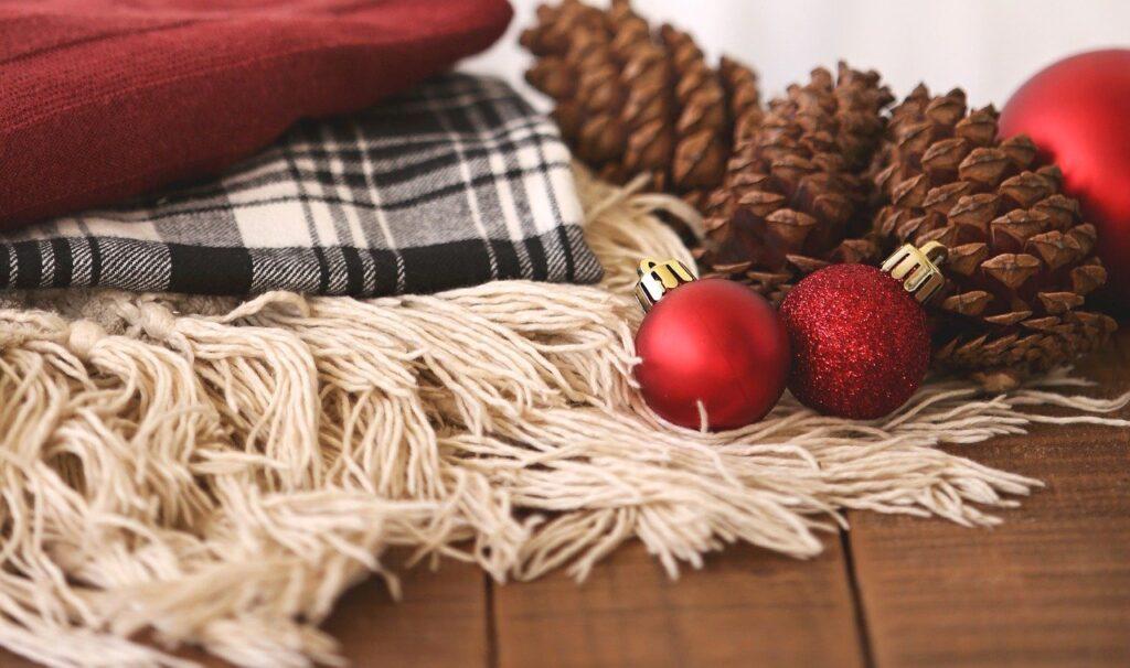 Come utilizzare le pigne per Natale