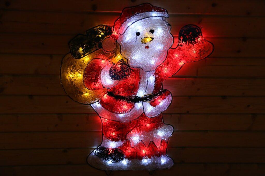 Luci natalizie per esterno: 30 idee originali