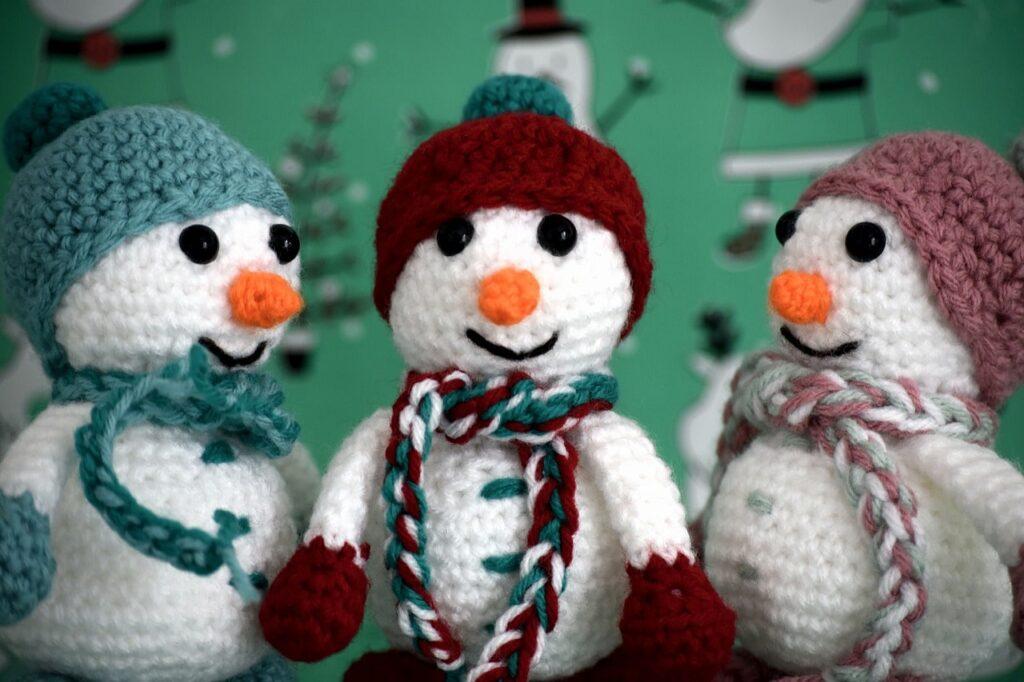 Pupazzo di neve fai da te in lana
