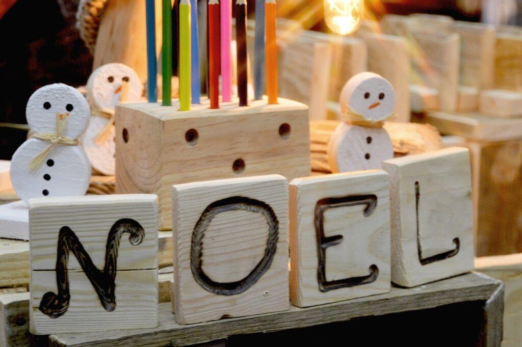 Pupazzo di neve fai da te in legno