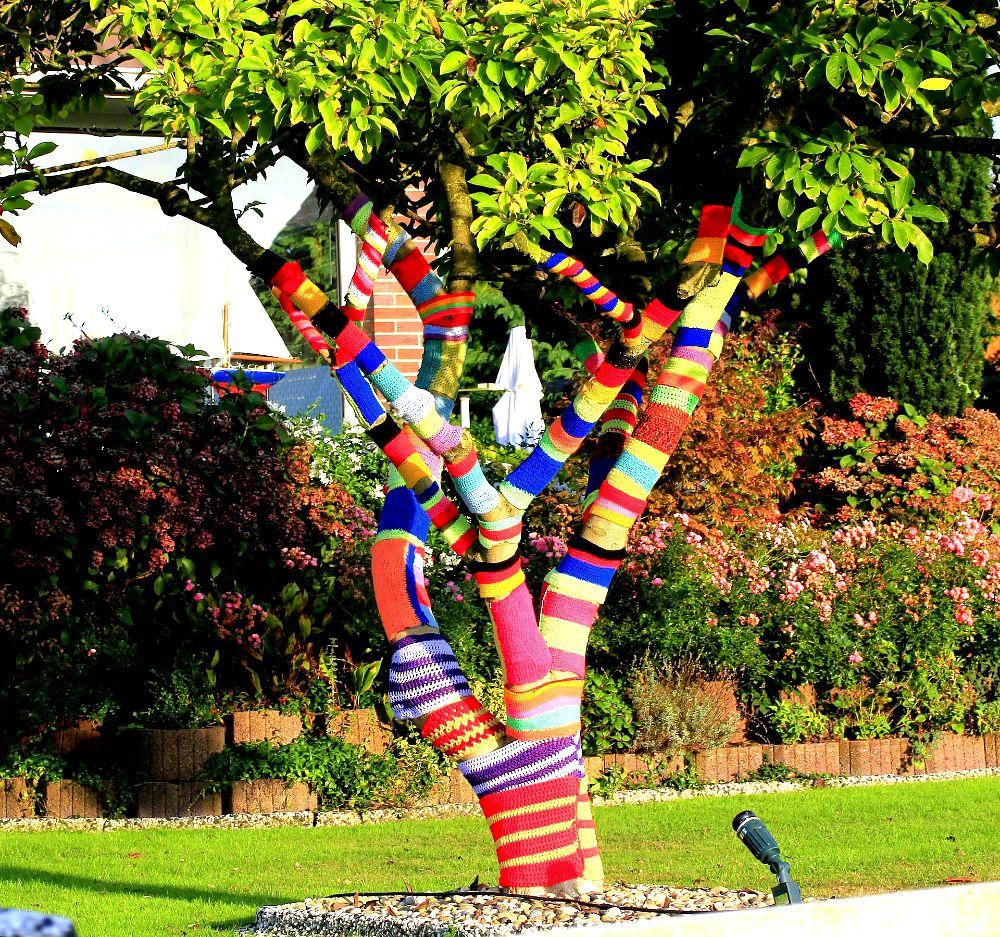 decorazione per albero in giardino