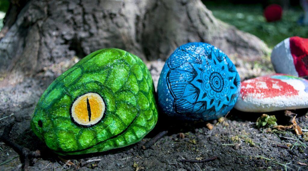 Come decorare un giardino con i sassi