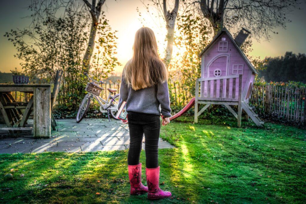 area gioco per bambini nel giardino
