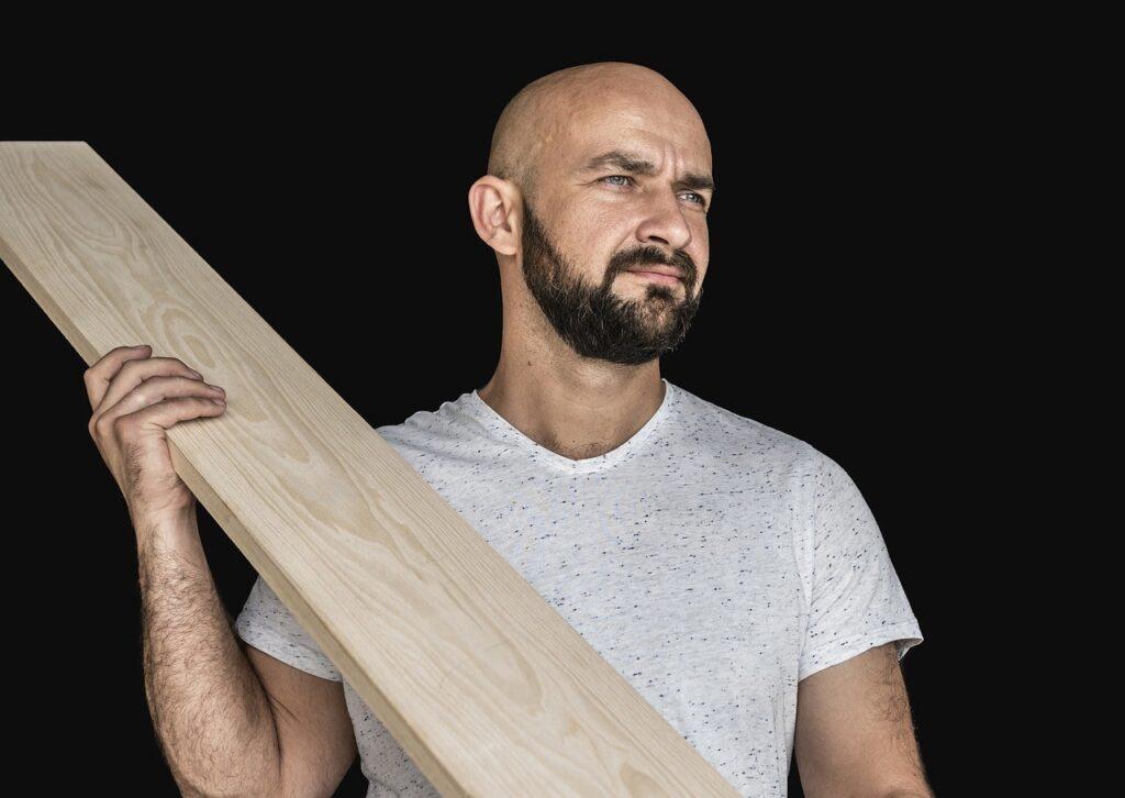 Come rivestire una vasca idromassaggio gonfiabile con il legno