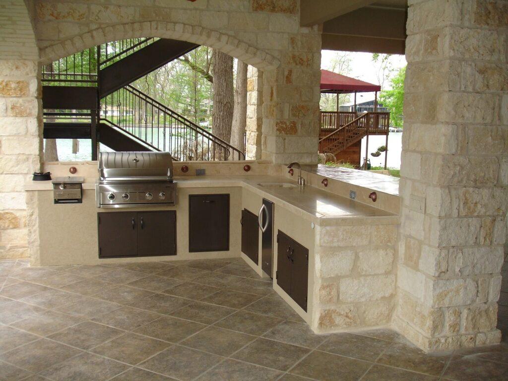 Cucina esterna bella e funzionale