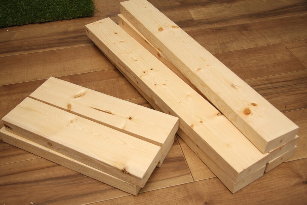 Come realizzare delle mensole in legno fai da te con le corde