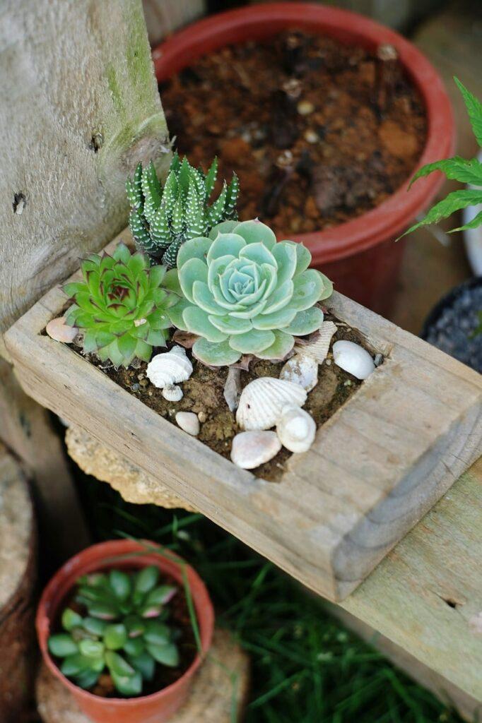 Come arredare un giardino con l'arte del fai da te